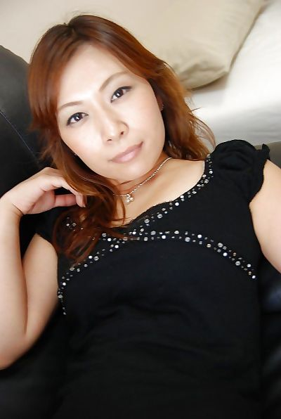 Asian MILF Machiko Nishizaki..