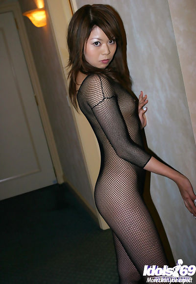 Slim asian babe with tiny..