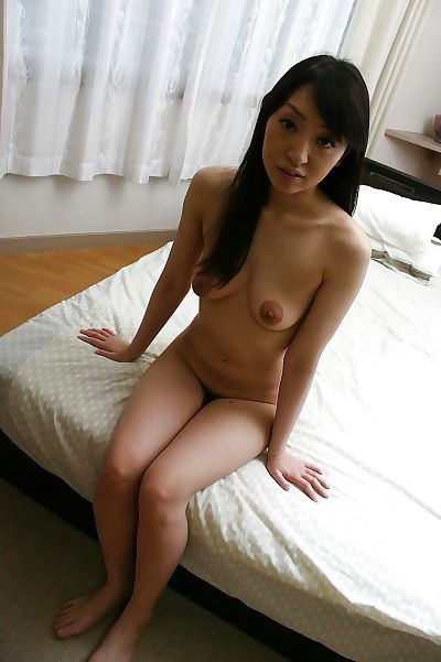 Naked asian chick..