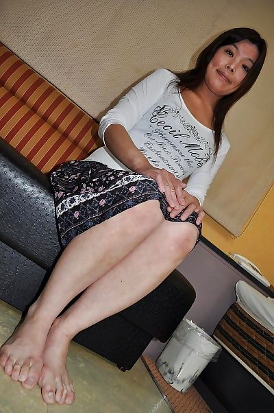 Shy asian MILF Takako..