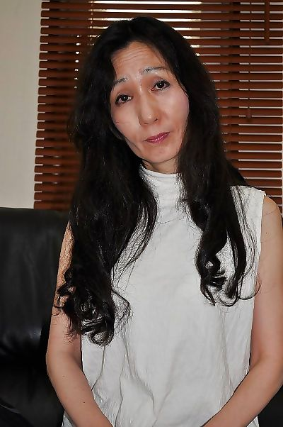 Asian mature lassie Nobue..